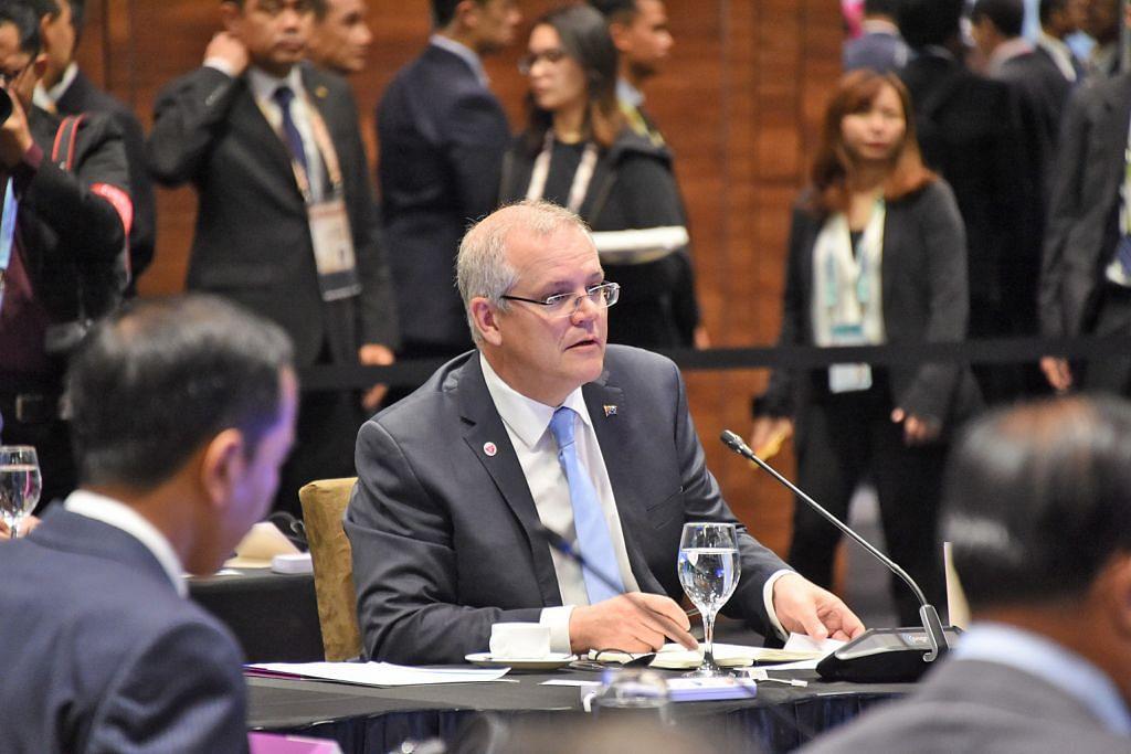 PM China temui Presiden Halimah di Istana PM Lee: Manfaatkan dorongan hubungan positif Asean-China