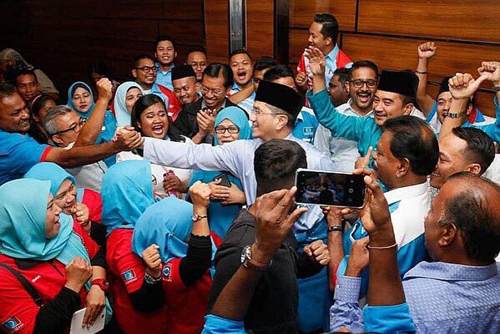 Azmin beri sokongan penuh pada Anwar pimpin PKR