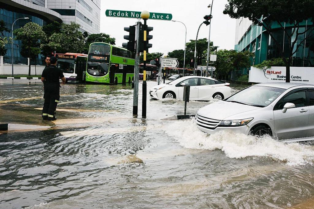 Beg pasir kepada penduduk, peniaga di kawasan mudah banjir