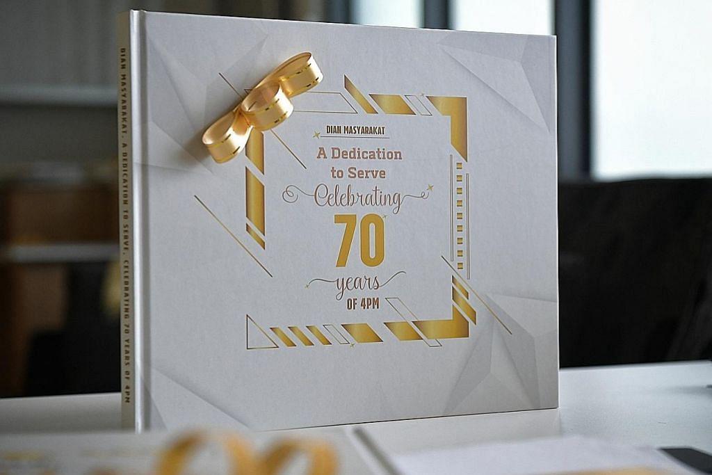 Buku susur perjalanan 70 tahun 4PM