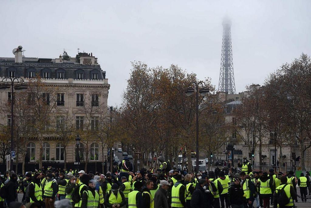 Bantahan kos sara hidup:Perancis akan tutup Menara Eiffel