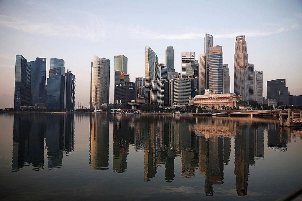 Tinjauan MAS: Pakar kurangkan ramalan ekon S'pura tahun depan