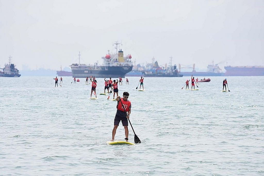 200 sertai lumba kayuh berdiri di pantai East Coast