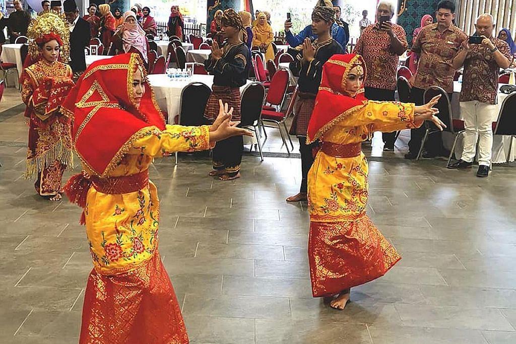 Meraikan budaya Minang di Wisma Geylang Serai