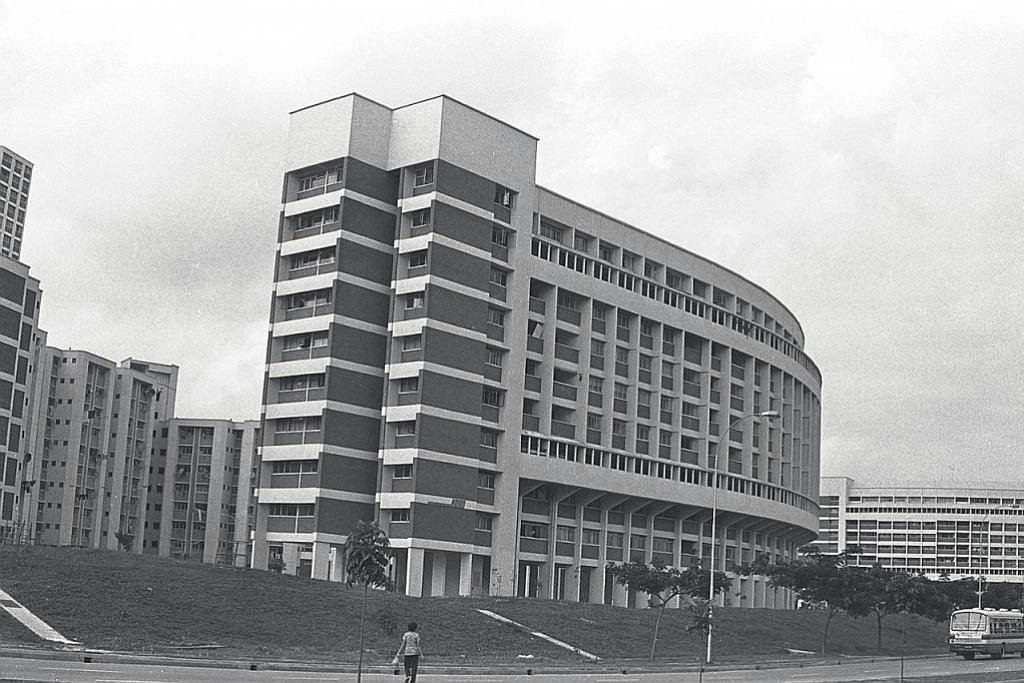 Flat dengan desain lebih menawan seperti di Jurong East ini mula dibina pada tahun-tahun 1980-an