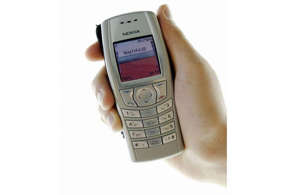 Telefon bimbit jenis 'Candybar'