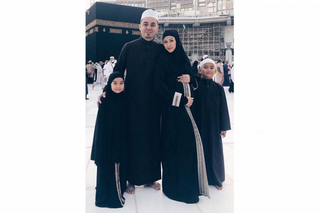 KONGSI BERITA GEMBIRA: Nurul Aini, yang mengerjakan umrah Disember lalu bersama suami dan dua anaknya, berkongsi berita gembira mengenai kandungan anak ketiganya menerusi media sosial Instagram. – Foto INSTAGRAM NURUL AINI