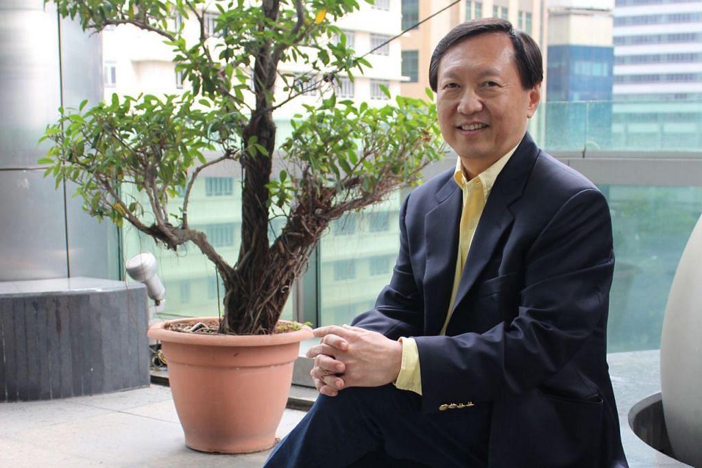 IMPAK LEBIH BESAR: Presiden IES, Profesor Yeoh Lean Weng (atas), melahirkan harapan agar jurutera di Singapura dapat mencapai prestasi yang memberi impak yang lebih besar kepada negara dan kehidupan sesama warga Singapura. - Foto IES