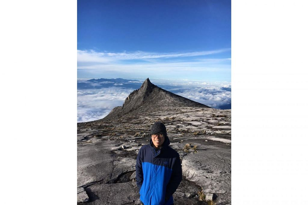 PENUH MAKNA: Anak penulis, Aidan Bakti, yang kini berusia 20 tahun berasa antara faedah yang diraih menerusi kegiatan mendaki ialah hubungan yang lebih erat dengan bapanya.  - Foto ihsan ZAIDI YACOB