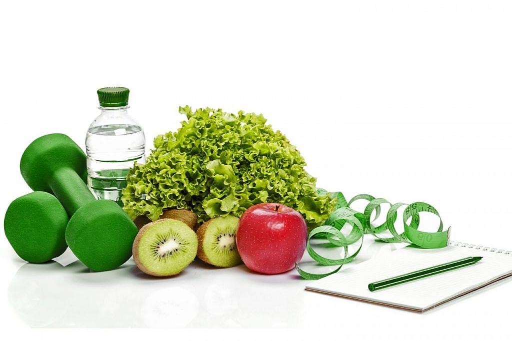 UBAH GAYA PEMAKANAN: Antara azam yang sering ditanam dalam jiwa adalah makan makanan lebih sihat dan bersenam secara lebih kerap.  - Foto ISTOCKPHOTO