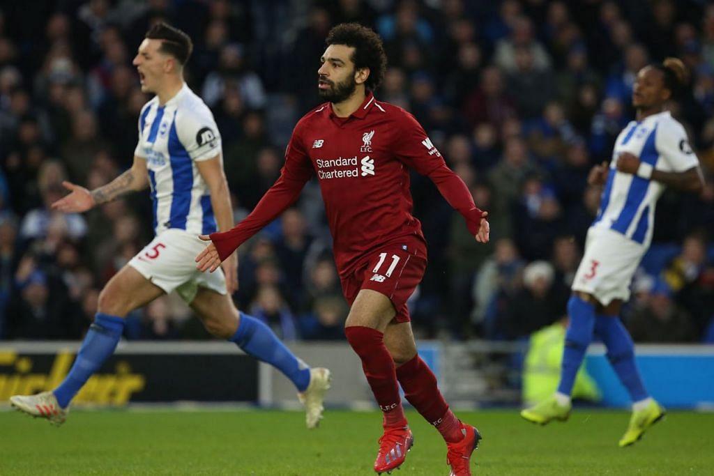 GOL LAGI: Penyerang Liverpool, Mohamed Salah (tengah), sekali lagi menjadi wira selepas menyumbat gol kemenangan pasukannya menerusi tendangan penalti.  - Foto EPA-EFE
