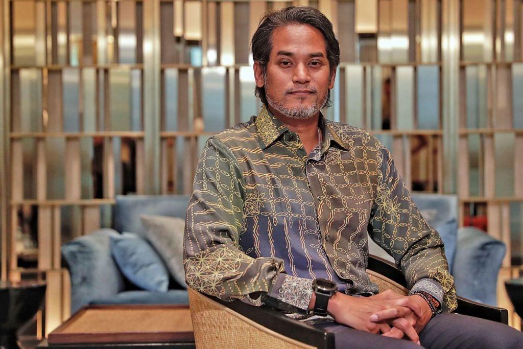 ENCIK KHAIRY JAMALUDIN: Pembaharuan ketara yang dapat dirasakan ialah kematangan demokrasi yang dicerminkan menerusi penerimaan peralihan kuasa oleh rakyat, sekali gus menunjukkan Malaysia bergerak ke arah sebuah demokrasi yang matang. - Foto BH oleh KEVIN LIM