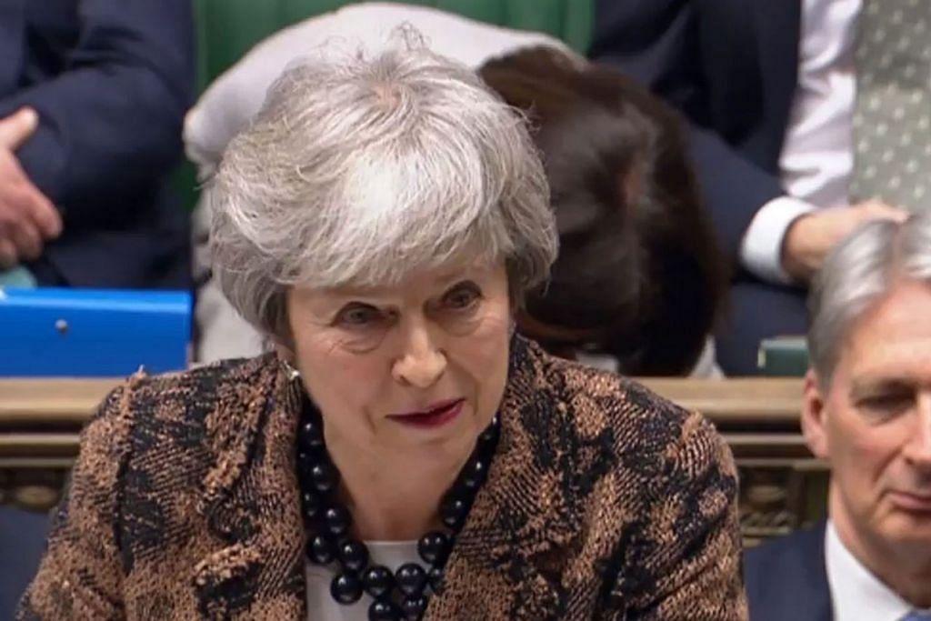 TOLAK PUNGUTAN SUARA KEDUA: Cik May menolak pungutan suara kedua kerana rakyat Britain telah mengamalkan demokrasi dan memilih berpisah daripada EU. - Foto EPA-EFE