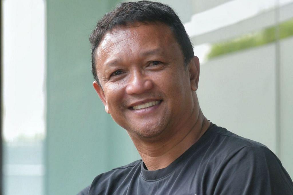 WARGA S'PURA LAIN YANG PERNAH ATAU SEDANG BERTUGAS SEBAGAI JURULATIH DI LUAR NEGARA: Fandi Ahmad - Legenda bola sepak negara ini pernah memimpin kelab Indonesia, Pelita Jaya, dari 2006 hingga 2010. Beliau juga pernah bertugas bersama Johor Darul Takzim pada 2012-2013.
