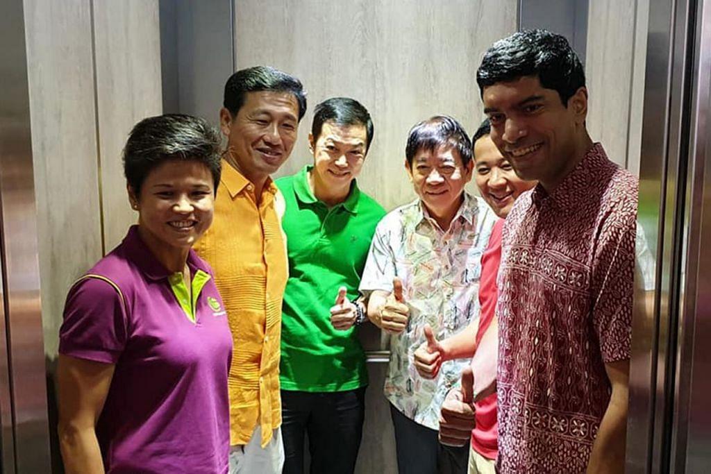 LEBIH CEPAT, LEBIH SELESA: Penduduk Woodlands, Sembawang dan Admiralty bakal menerima lif baru yang akan diperkenalkan secara berperingkat. (Dari kiri) Penolong Setiausah CCC Sembawang, Cik Poh Li San; bersama anggota parlimen Sembawang lain termasuk Encik Ong Ye Kung, Dr Lim Wee Kiak, Encik Khaw Boon Wan, Encik Amrin Amin dan Encik Vikram Nair. - Foto FACEBOOK KAMPUNG SEMBAWANG