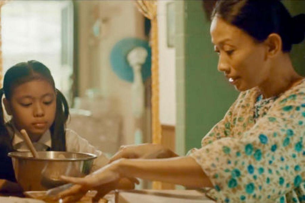 Dalam filem pendek bertajuk Ibu, seorang ibu daripada Generasi Merdeka mencurahkan tenaga demi keempat-empat anaknya dengan menjual kuih.
