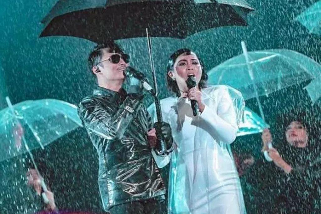 GANDINGAN SERASI: Hael Husaini (kiri) sekali lagi membawa pulang gelaran juara Anugerah Juara Lagu (AJL) menerusi 'Haram' yang didendangkan bersama Dayang Nurfaizah. - Foto LAMAN TV3