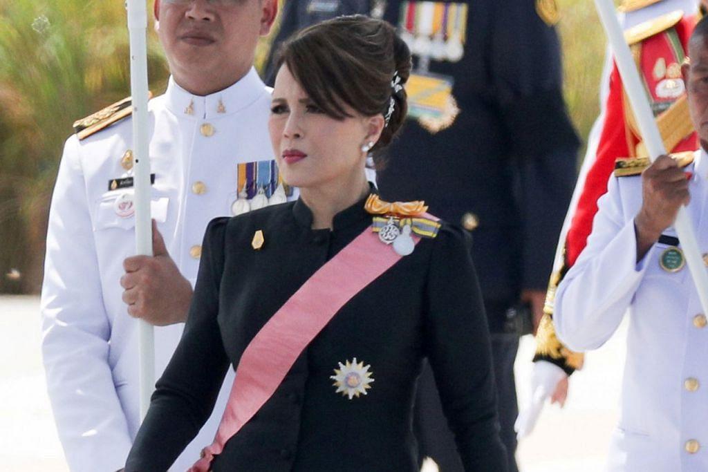 SERTAI PILIHAN RAYA: Puteri Ubolratana (gambar kanan) anak sulung mendiang Raja Bhumibol Adulyadej, bakal menjadi kerabat diraja pertama menyertai pilihan raya Thailand. - Foto REUTERS