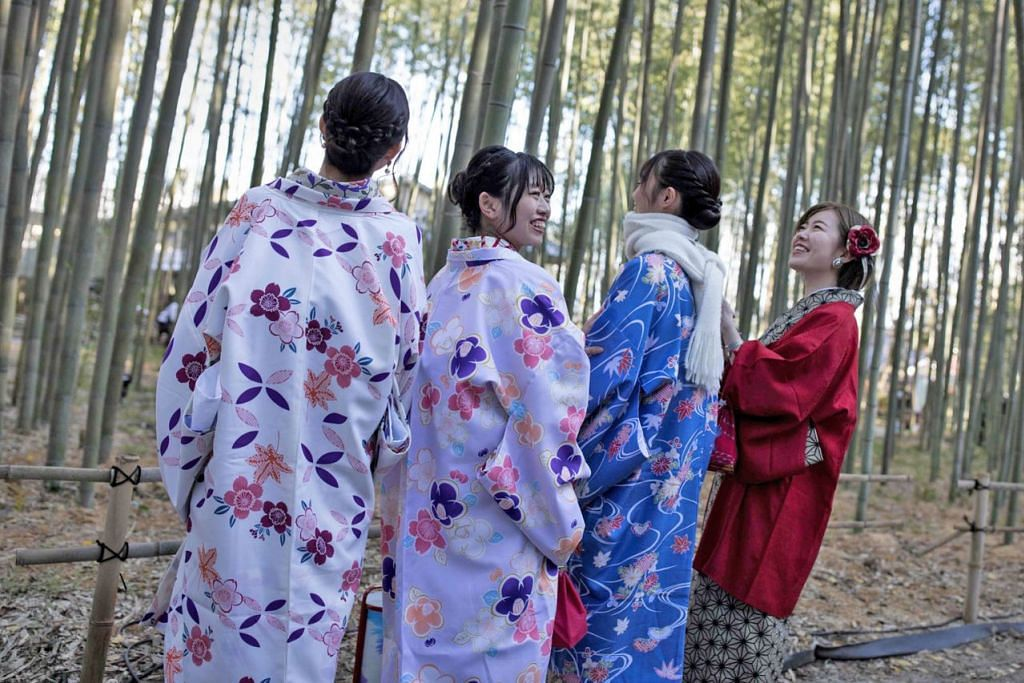 CUKAI SUMBER DANA: Cukai yang bermula sejak awal bulan lalu itu diperkenalkan sebagai satu cara menyediakan sumber dana bagi meluas dan mempertingkat prasarana pelancong di Jepun. - Foto AFP