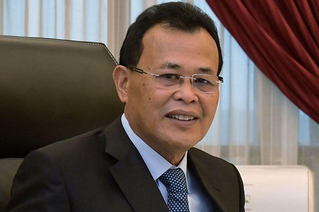 Menteri Besar Johor Osman Sapian