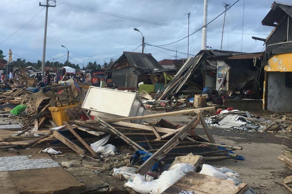 APABILA BENCANA MELANDA: Tsunami di Selat Sunda Disember lalu meragut lebih 400 nyawa.