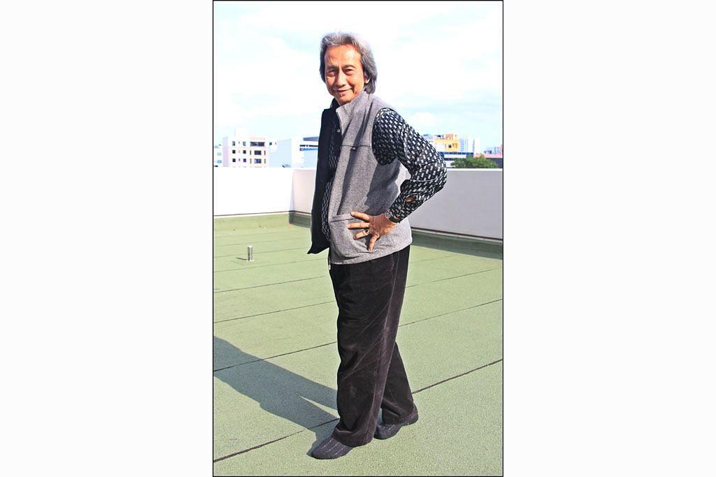 Demi Pop Yeh-Yeh Adnan berskuter ulang alik dari Terengganu ke S'pura