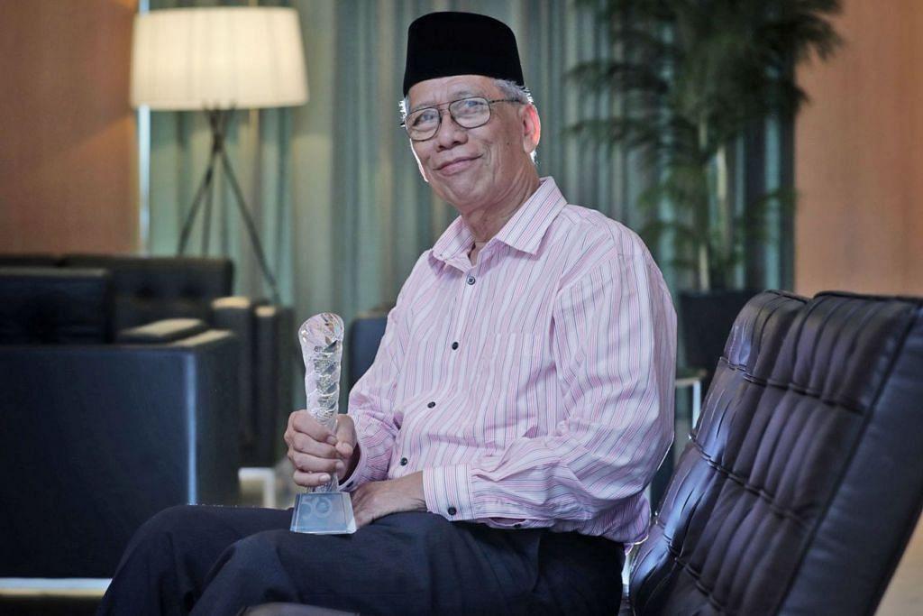 GEMBIRA LIHAT PENINGKATAN MADRASAH: Cikgu Mohd Ma'mun HM Fadhlullah Suheimi yakin madrasah dan pendidiknya berkeupayaan untuk terus menaik taraf dan kekal relevan kepada keperluan masyarakat di sini. - Foto BH oleh KELVIN CHNG
