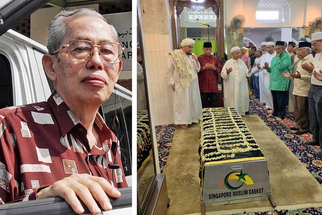 PERGINYA USAHAWAN PERTAMA PENGURUSAN JENAZAH: Anak Allahyaram Encik Iskandar Dzulkhairi (gambar kanan, dua dari kiri) bersama Imam Masjid Ba'alwie, Habib Hassan dan jemaah lain bersiap menunaikan solat jenazah Allahyarham Aziz Kajai (gambar kiri). - Foto ihsan ISKANDAR DZULKHAIRI KAJAI