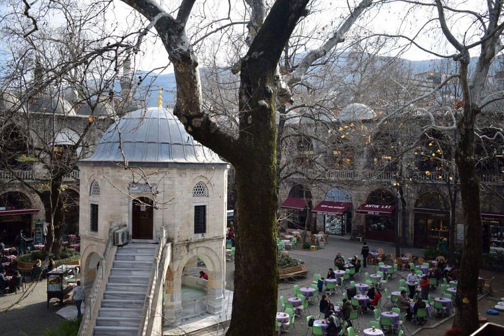 JADI TUMPUAN: Antara yang menarik di Turkey ialah Silk Market iaitu Pasar Sutera di Bursa. - Foto ihsan SAPIAH SALLEH