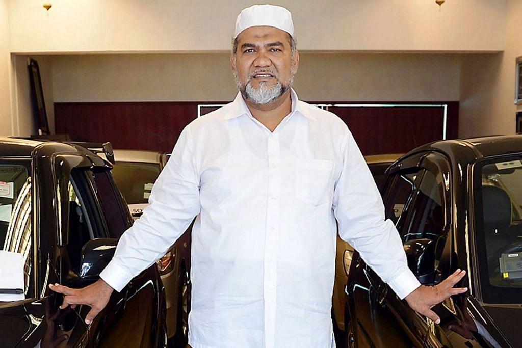 TEMPOH MENCABAR: Encik Mohamed Taifoor sudah menjangka pasaran kereta terpakai semakin lemah, justeru mengambil langkah mengurangkan kos. - Foto fail