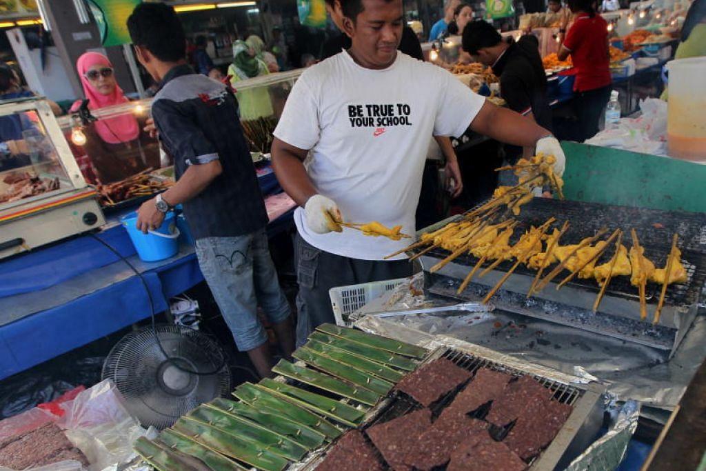 Lebih banyak makanan tradisional akan dijual di Bazar Raya di Geylang Serai tahun ini. FOTO: FAIL BH
