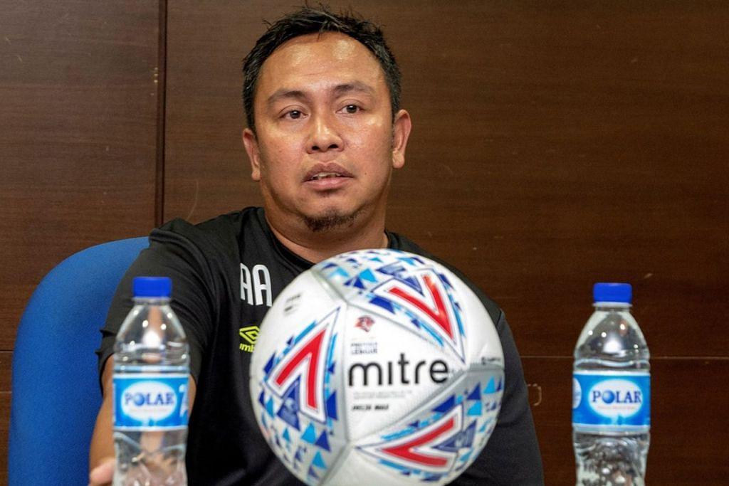 AZLAN ALIPAH: Setiap pemain di padang ada kebolehan jaringkan gol. - Foto SPL