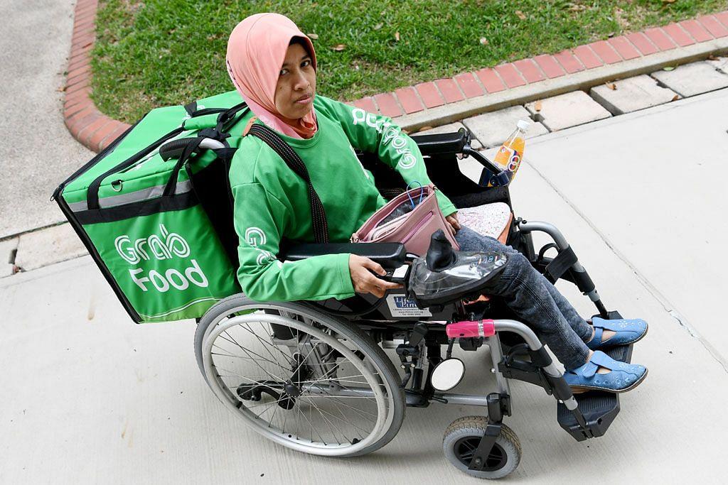Video penghantar makanan berkerusi roda sentuh netizen