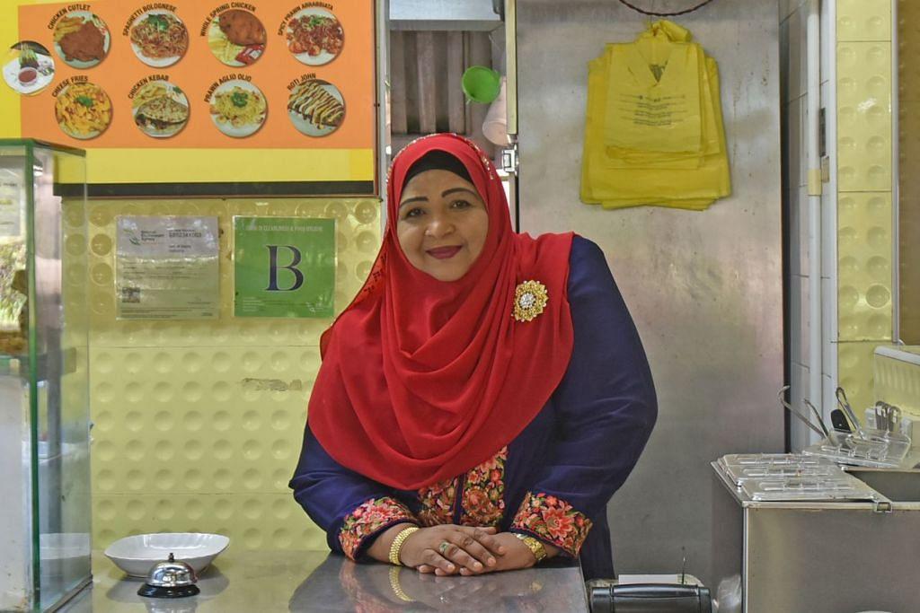 SIFAT IHSAN RAHSIA PERNIAGAAN MAJU: Cik Beevi Ayoob, pemilik restoran Saffrons di Tampines ini percaya sikap ihsan serta keinginan membantu mereka yang memerlukan membawa keberkatan dalam perniagaan. - Foto BH oleh JOSEPH CHUA