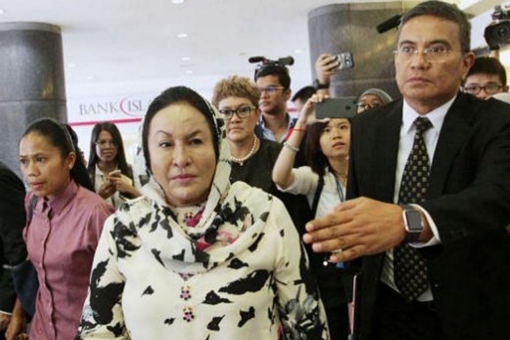 DITAHAN: Datin Rosmah ditahan SPRM ditahan berhubung siasatan terhadap projek tenaga solar kerajaan. - Foto THE STAR