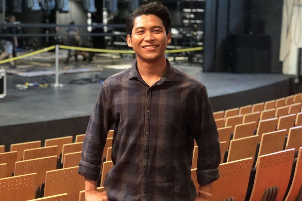 JIWA SENI: Encik Nur Afiq beralih daripada bidang kejuruteraan di ITE kepada bidang persembahan dan teater muzikal di Maktab Seni Lasalle kerana yakin itulah kemahiran yang boleh memperkasa dirinya. -  Foto BH oleh HARYANI ISMAIL