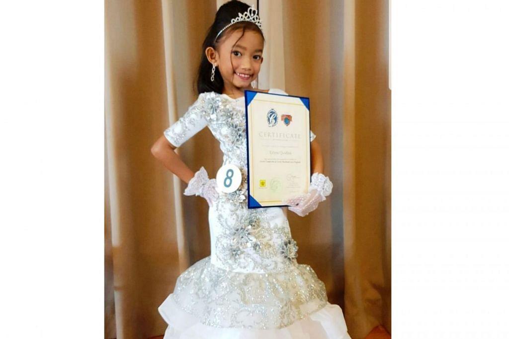 TEBAR BAKAT KE DALLAS: Erlyra Qasdina Khairil tidak sabar mewakili Singapura dalam peraduan antarabangsa Little Miss Cinderella 2019 ke Dallas, Amerika Syarikat pada Julai ini. – Foto ihsan SITI SURIANI HARON
