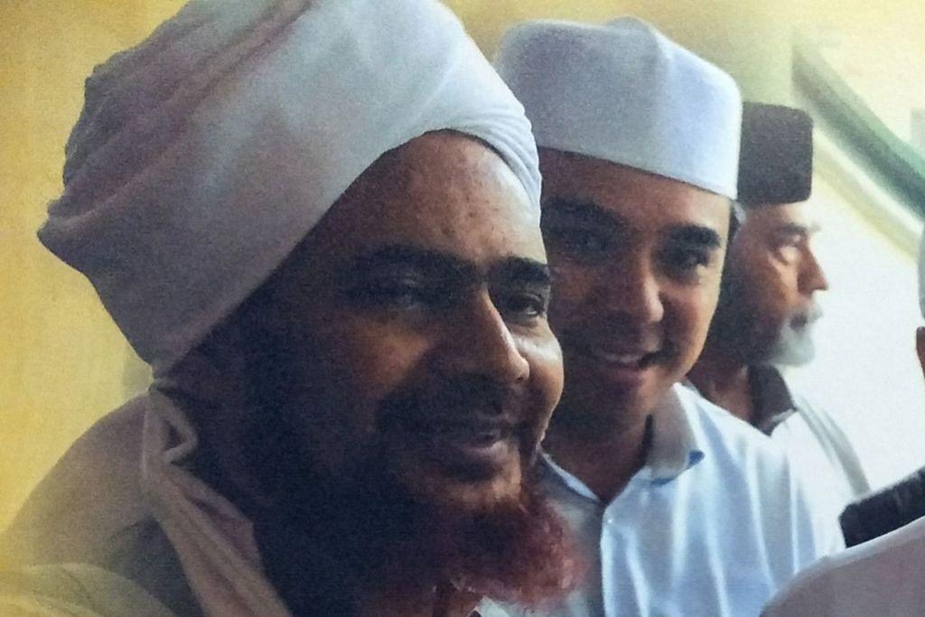 HABIB UMAR HAFIZ: Pengasas dan Pengetua Darul Mustafa di Tareem (Yaman), menyatakan bahawa RRG memberi penjelasan tentang hakikat Islam, kecantikan Islam, kesempurnaan Islam, kemuliaan Islam dan juga moral dan nilai dalam agama Islam yang mulia. - Foto fail