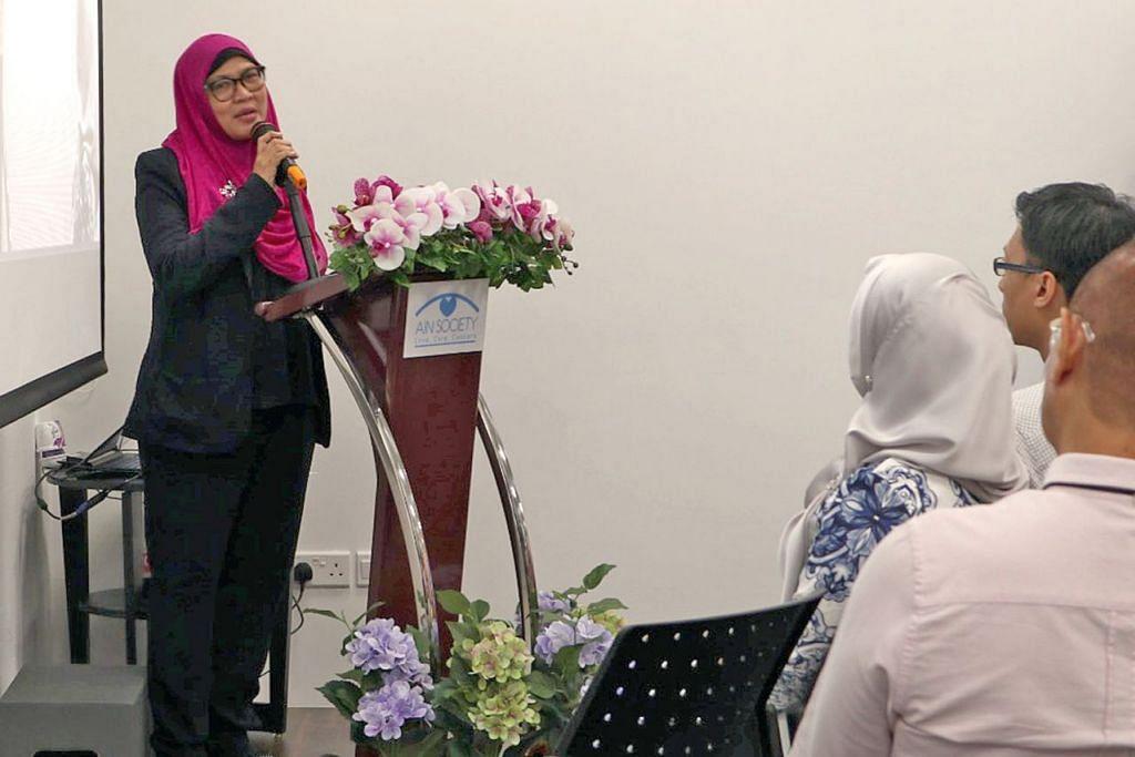 BERI HARAPAN: Bekas pesakit barah, Cik Noora, berkongsi pengalamannya untuk mendorong pesakit lain untuk tidak putus harapan. - Foto PERSATUAN AIN