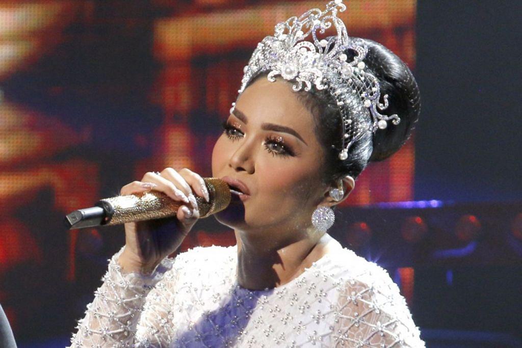 KRISDAYANTI: Penyanyi popular ini kini mahu menceburi bidang politik.