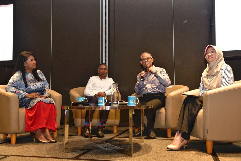 PERTUKARAN MINDA: Encik Masagos Zulkifli Masagos Mohamad (dua dari kanan) bercakap kepada hadirin semasa sesi dialog Forum Pemimpin Masyarakat (CLF) di Wisma Geylang Serai. Menurutnya, Mendaki menghargai sumbangan berterusan yang diberikan pertubuhan Melayu/Islam (MMO) bagi mempertingkat masyarakat Melayu/Islam di sini. (Dari kiri) Cik Saleemah Ismail, pengasas New Life Stories; Encik Raj Mohamad, Setiausaha Agung SKML; dan Cik Rahayu Buang, CEO Mendaki. - Foto BH oleh DESMOND WEE