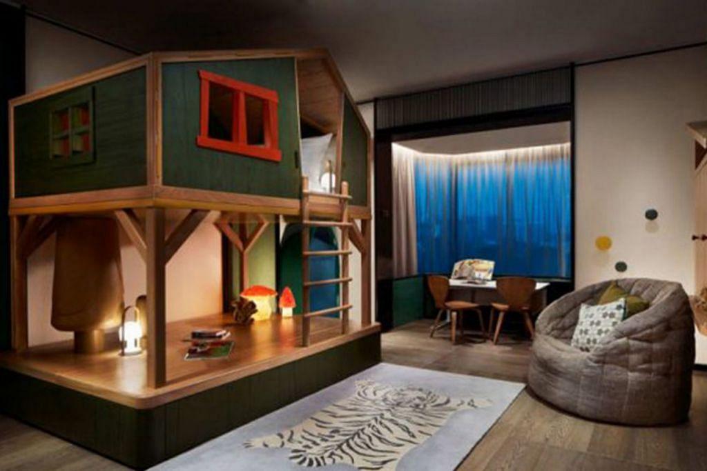 JADI 'PENGEMBARA' SEHARI: Ci cilik pasti menyukai bilik bertema di Rasa Sentosa ini. Apatah lagi, ada katil bertangga dan lukisan pada tembok yang menarik. - Foto RESORT & SPA RASA SENTOSA SHANGRI-LA