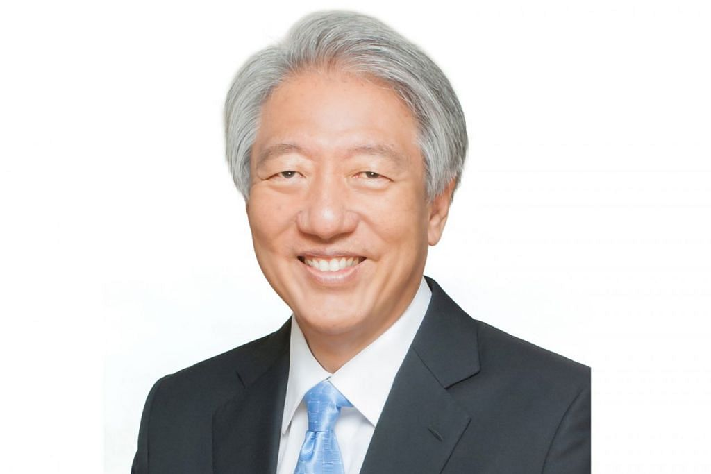 TANGGUNGJAWAB BARU: Encik Teo Chee Hean (atas) dan Encik Tharman Shanmugaratnam akan dilantik sebagai Menteri Kanan. – Foto fail
