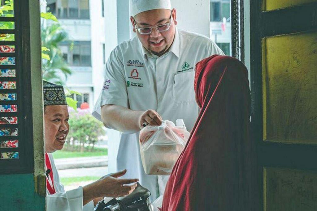 USAHA KEBAJIKAN: Badan Agama dan Pelajaran Radin Mas (Bapa) mahu mengirimkan juadah kepada lebih banyak golongan kurang mampu sempena Ramadan ini. - Foto BAPA