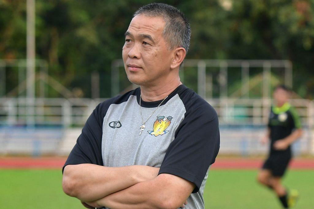 """""""Tampines merupakan pasukan yang hebat dan bagus di setiap bahagian. """"Kami akan berusaha untuk menang setiap perlawanan...terdapat potensi dalam pasukan kami dan setiap perlawanan adalah peluang pembelajaran bagi semua pemain kami.'' - Clement Teo, Jurulatih Hougang (atas)"""