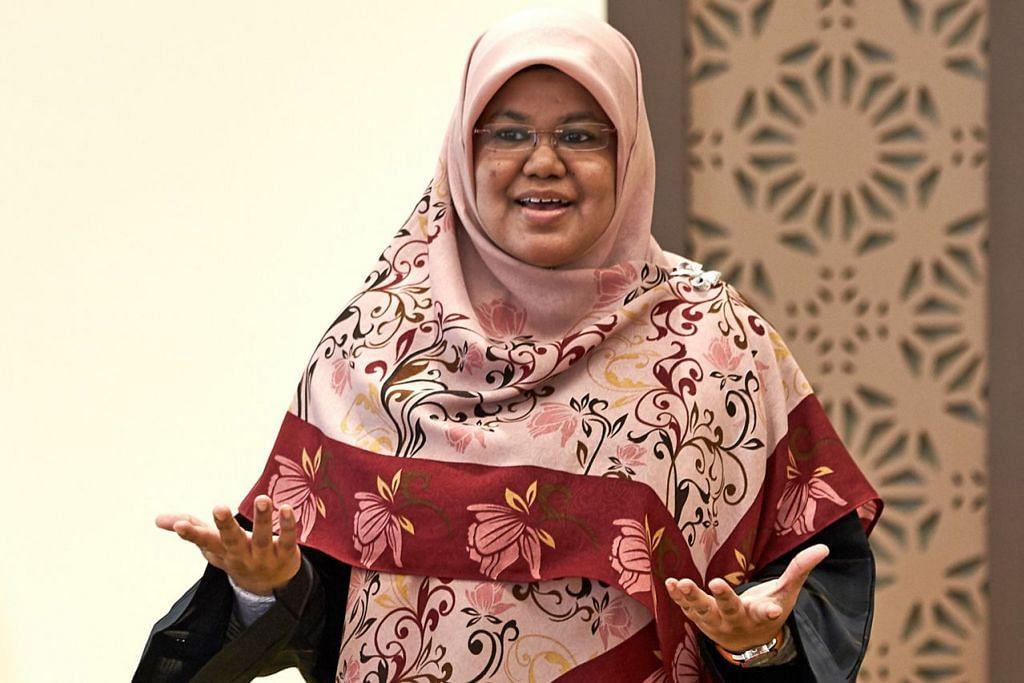 Ustazah Kalthom Muhammad Isa.