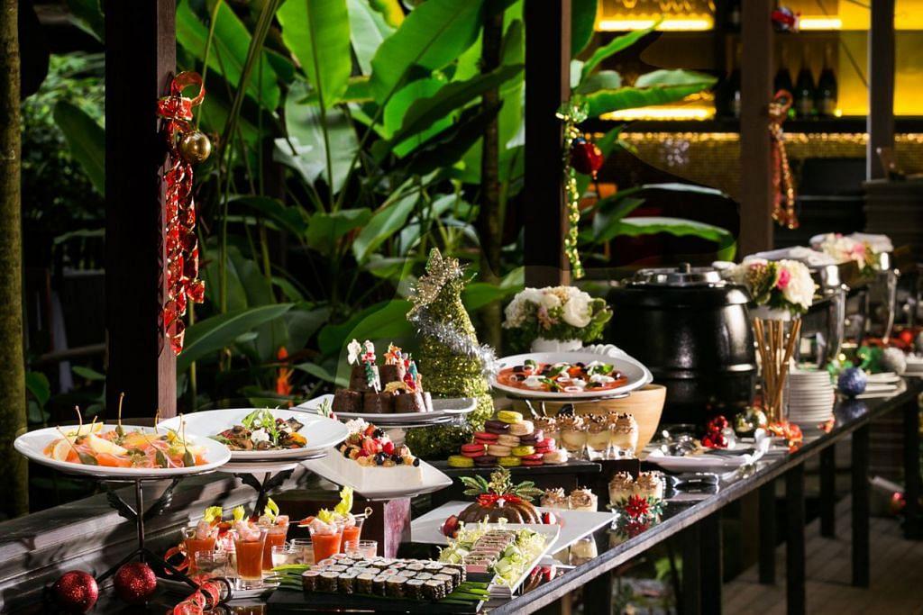 THE HALIA: Bagi restoran The Halia yang terletak di Taman Bunga Singapura, tempahan beriftar sempena Ramadan telah bermula sejak sekitar dua minggu lalu.Yakin bahawa tempahan sempena Ramadan kali ini akan bertambah antara 10 dengan 15 peratus berbanding tempoh tahun lalu. - Foto fail
