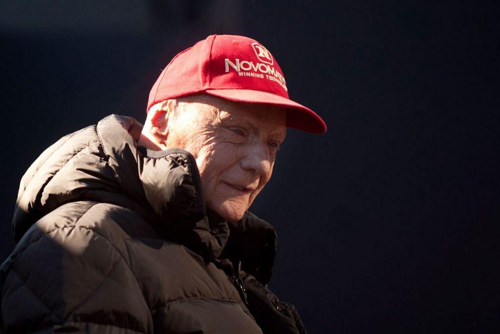 JAGUH LUMBA KERETA: Niki Lauda, 70 tahun, warga Austria, dimasukkan ke hospital Januari lalu selama 10 hari ketika mengalami influenza dan menjalani pemindahan paru-paru pada Ogos lalu, meninggal dunia kelmarin. – Foto AFP