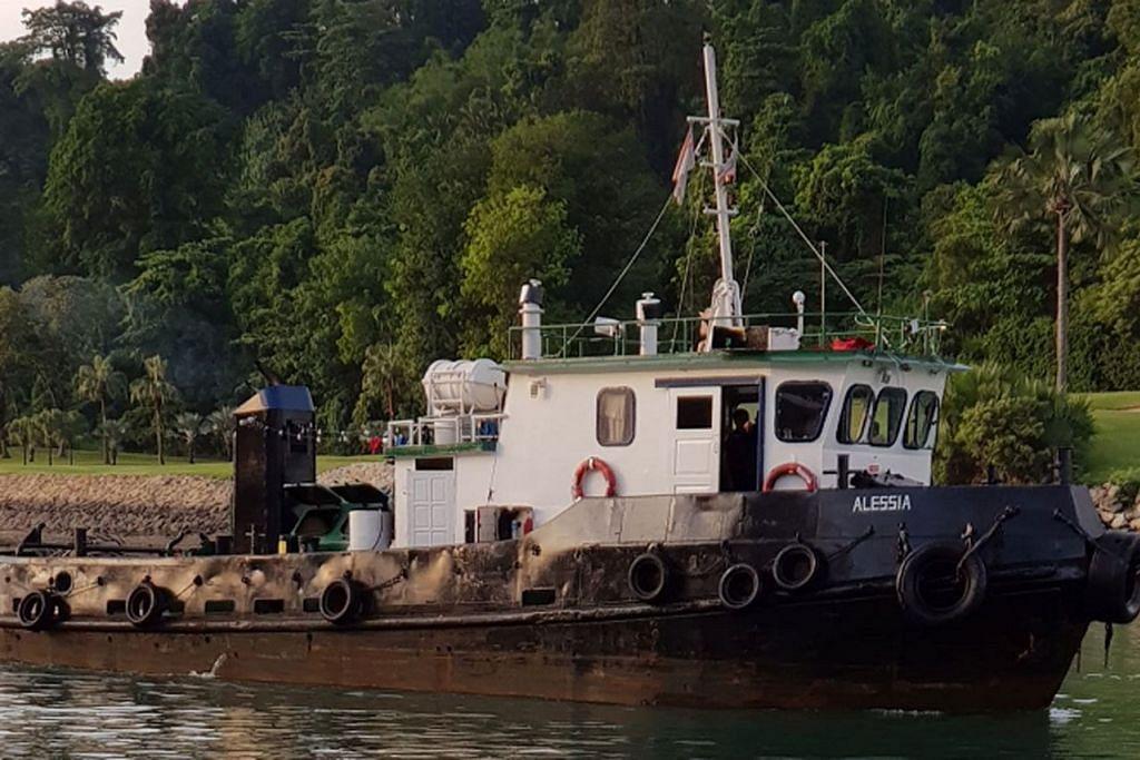 TUJUH DITAHAN: Suspek berusia 20 hingga 48 tahun ditangkap dengan tiga daripada suspek ditangkap adalah anak kapal daripada sebuah kapal milik seorang pembekal khidmat laut, manakala empat lagi anak kapal tunda berdaftar asing. - Foto PASUKAN POLIS SINGAPURA