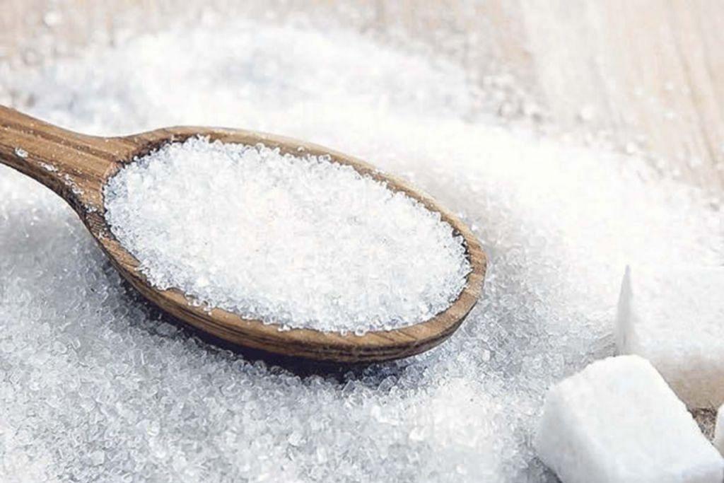 TIDAK 'SEMANIS' DARI SEGI KESIHATAN: Pemakanan berlebihan gula yang diproses, seperti gula pasir putih, boleh menyebabkan banyak isu kesihatan. - Foto fail VIBES